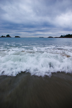 Wave picture from Calvert Island Canada.