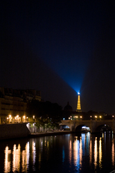 Eiffel Tower Light -   photo