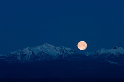 Setting Winter Moon ~ Moon picture from Vancouver Island Canada.